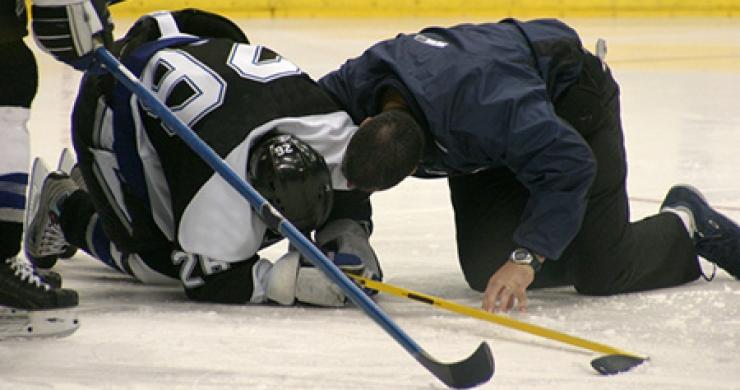 Overcoming and Avoiding Ice Hockey Injuries
